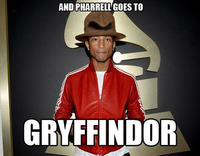 @LaSalte  Bueee, ni que fueras William Pharrell  Poneme en Slytherin te dije!...
